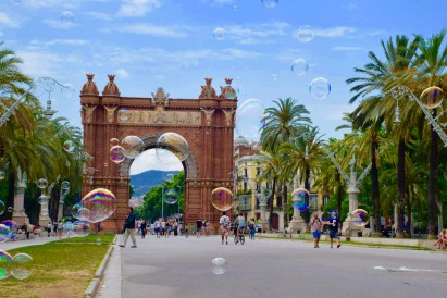 Arc de Triomphe in Spain with bubbles on the horizon