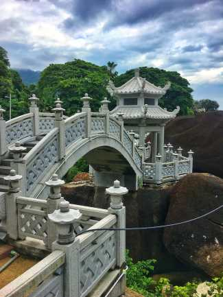 Walking up to the temple at Kek Lok Si you will first see this bridge covering a small stream