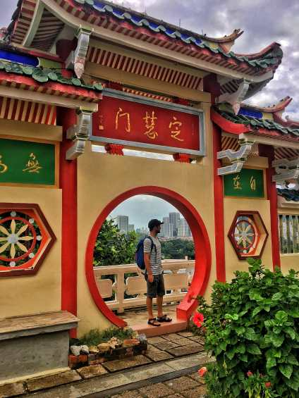 City views and sky scrapers in the distance behind the Kek Lok Si Temple