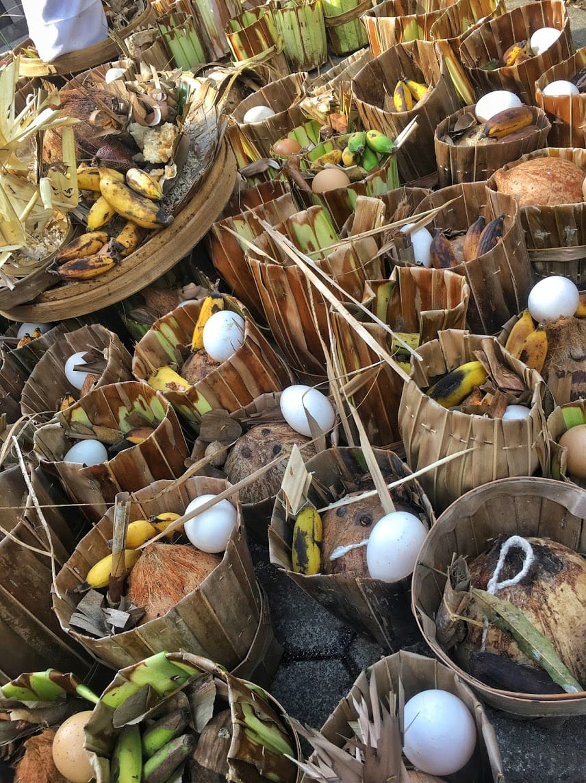 Daily offerings left by the Balinese people at Gunung Kawi temple